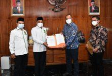 Photo of Kemenkum HAM Keluarkan SK Kepengurusan PPP yang Baru, Berikut Susunannya!